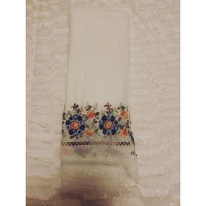 Accessories - White floral scarf